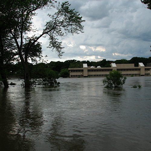 The back of Voxman Music Building at the height of the 2008 flood.