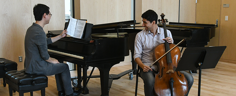 cellist and pianist rehearse